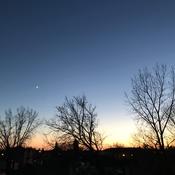 La lune toujours à côté de chez moi!!! 🌙