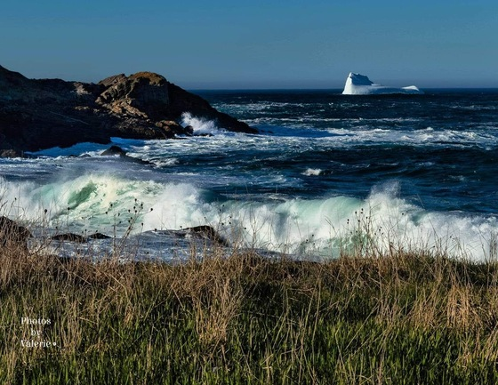 Rolling Waves and Icebergs