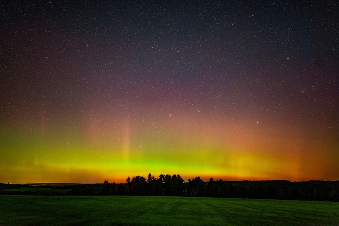 The Weather Network - Northern lights brighten up Canadian skies
