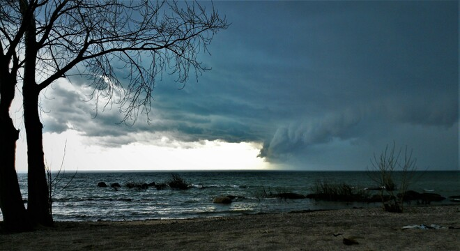 High winds roil the skies over Lake Erie as a storm front passes. 294 Prospect Point Rd S, Crystal Beach, ON L0S 1B0, Canada