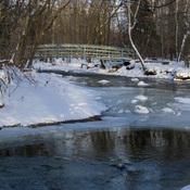 Passerelle sur la rivière
