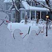 Famille de bonhommes de neige