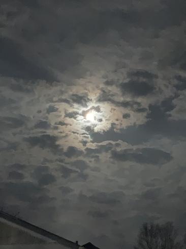 Full Moon Port Elgin, Ontario | N0H 2C1