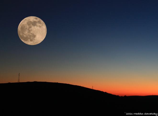 Super Pink Moon Fraser Valley, British Columbia, CA