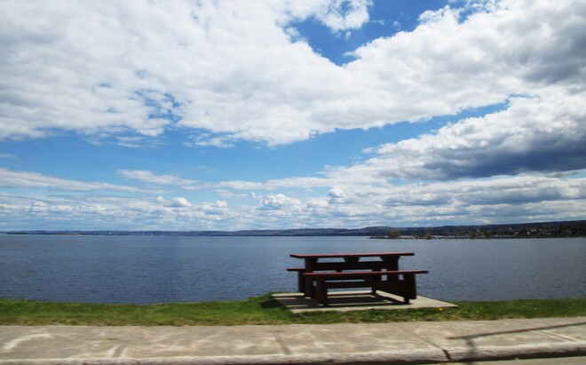 Journée sous les petits nuages Boulevard de l'Anse, Roberval, QC G8H 1Z1, Canada