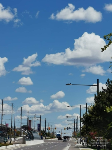 Nice day! Amazing clouds formation 22C Thornhill - May 14 2021 Thornhill, ON