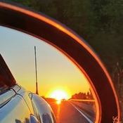 coucher de soleil, vu de mon mirroir d'auto!