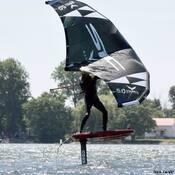 Bon vent pour le wung surf.