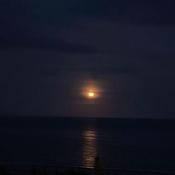 Lune sur la plage de Sept-Îles