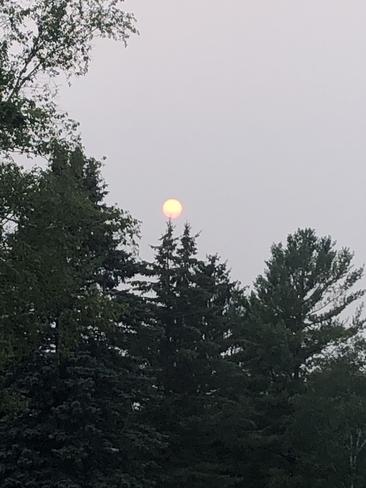 Red moon Kars, Ontario, CA
