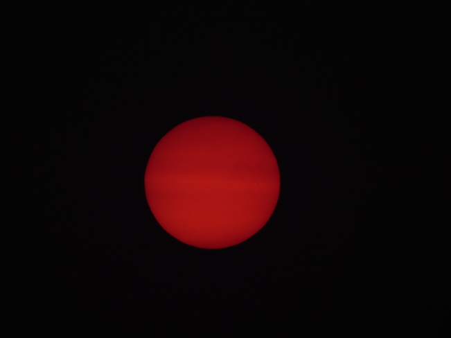 extraordinaire soleil rouge Saint-Sauveur, QC