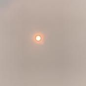 Soleil sous le smog