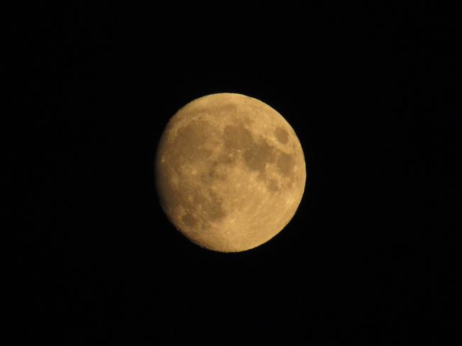 The moon tonight Larder Lake, Ontario, CA