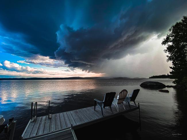 Hier soir au abord du Lac Témiscamingue Saint-Édouard-de-Fabre, Québec, CA