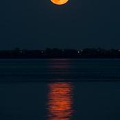 Lever de la pleine lune du tonnerre