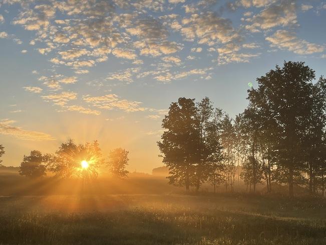 Le Soleil se lève Saint-Théodore-d'Acton, QC