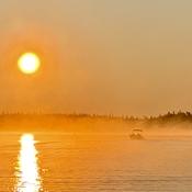 Lever de soleil et brume matinale