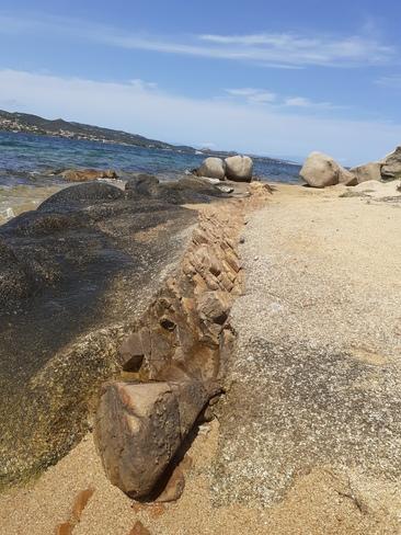 couche de rocher différente Cannigione, 88