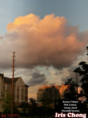 Sept 15 2021 7:24pm Sunset - Pink Cotton Candy cloud in Thornhill Thornhill, ON