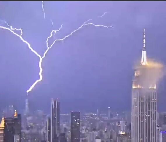 world trade center gets hit by lightning New York, NY
