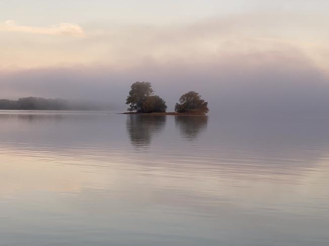 Calm Wolfe Island, ON