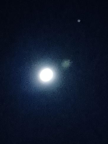 moon burst Cornwall, ON