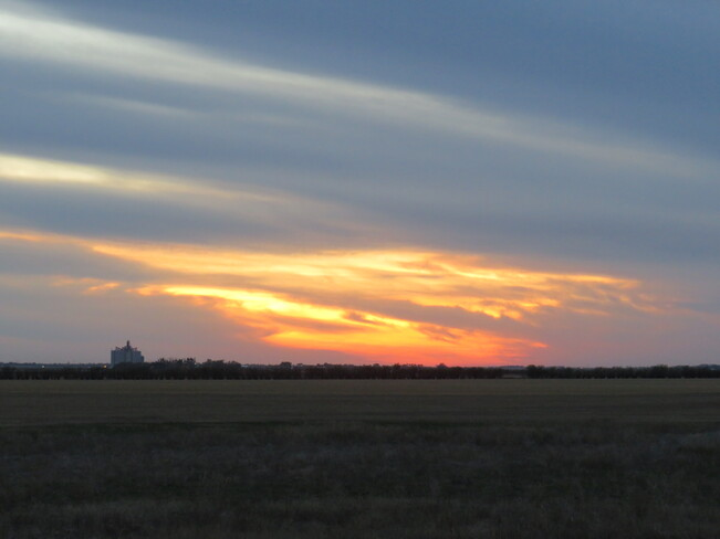 Sunset Clouds in the Western Sky SK-35, North Weyburn, SK S0C 1X0, Canada