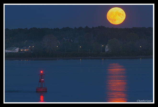 Pleine lune du 230 septembre. Trois-Rivières, QC