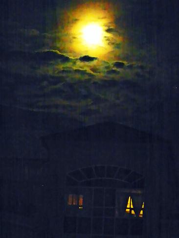 Moon Looks Like Sun Vaughan, ON