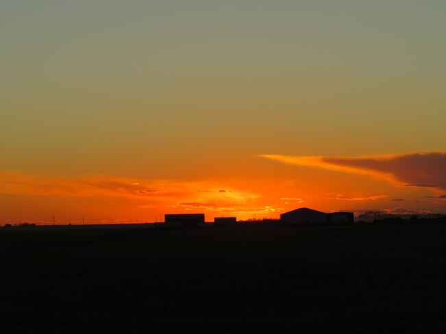 Golden Sunset at +13 Degrees Queen St, North Weyburn, SK S0C 1X0, Canada