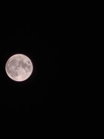 full moon Kingston, ON
