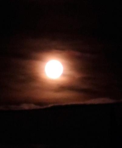 full moon Surrey, BC