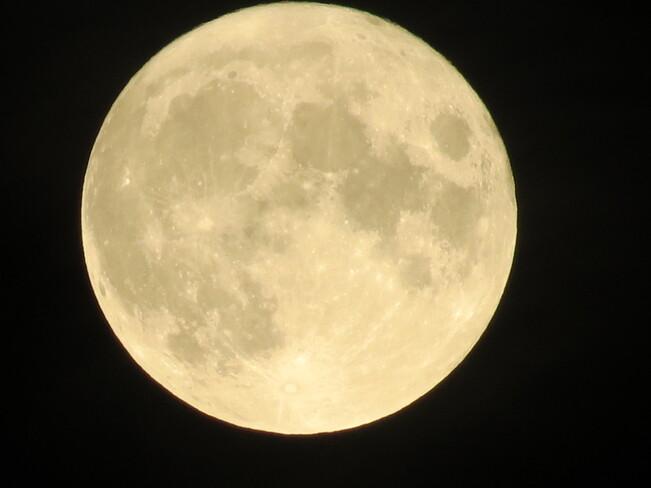 Full Harvest Moon 2021 Richmond, BC