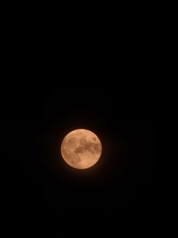 note 20 moon picture Mississauga, ON