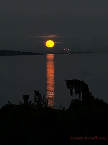 2021-09-21 - Harvest Moon over Victoria BC Victoria, BC