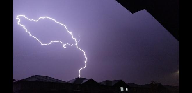 Lasso lightning Edmonton, AB