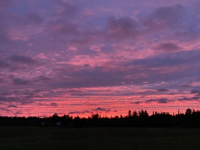 Summer sunset Boninville, Ontario, CA