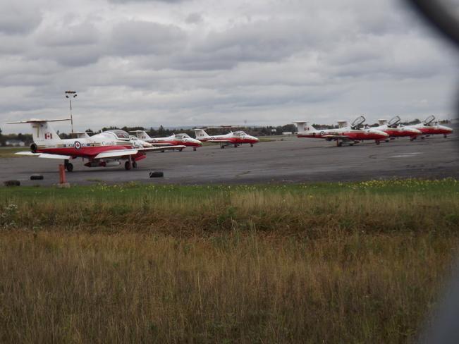 CANADIAN SNOWBIRDS Thunder Bay International Airport (YQT), 100 Princess St, Thunder Bay, ON P7E 6S2, Canada