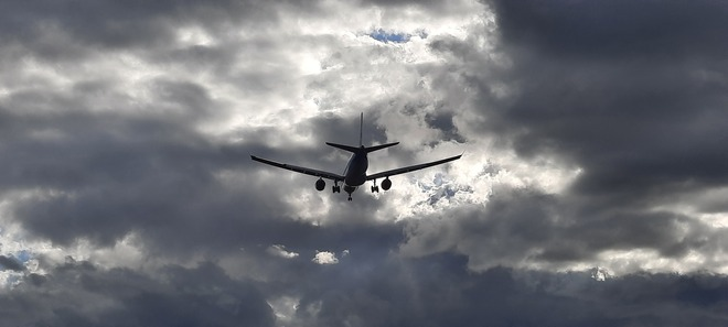 plane Saint-Laurent, QC