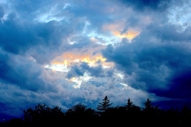 Bousculade nuageuse Québec, QC