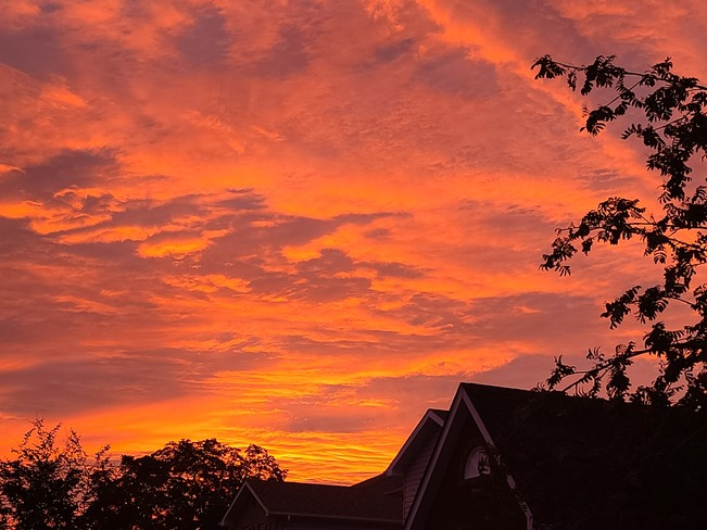 Early morning sun rise Bowmanville, ON