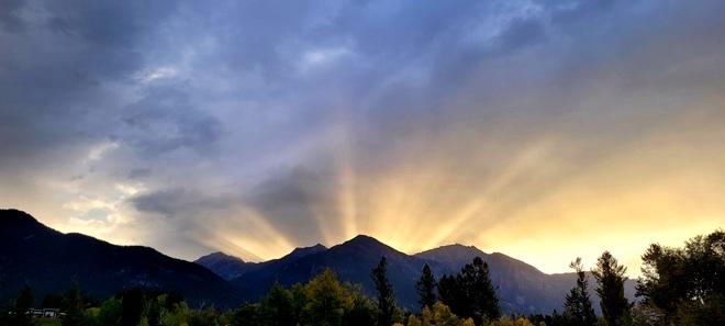 Good Morning from Edgewater Laura Edgewater, BC