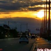 Oct 17 2021 6:10pm Sunday dramatic sunset before raining in Thornhill
