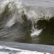 2021-10-26 - Some pretty good waves today at Esquimalt Lagoon