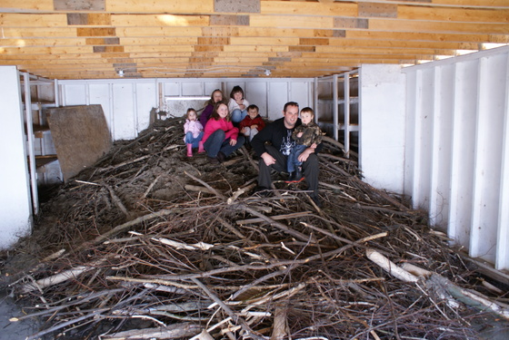Inside a beaver lodge - photo#40